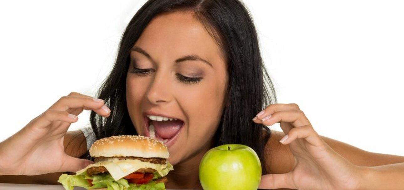 Wer sich ausgewogen ernährt, darf auch mal Burger genießen. Copyright:Erwin Wodicka - wodicka@aon.at; www.fotolia.de